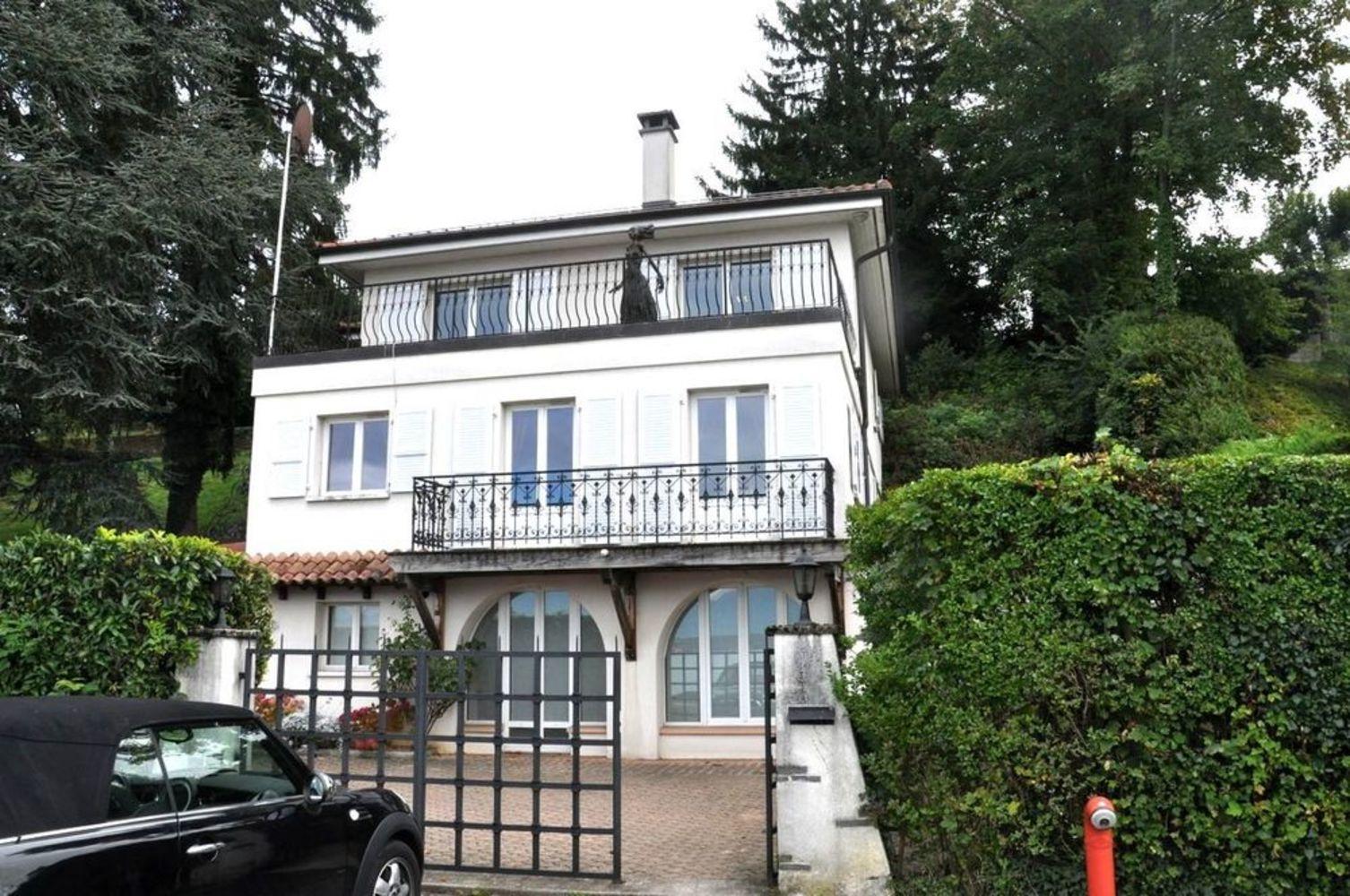 Maison avec escalier ext rieur fashion designs - Maison avec escalier exterieur ...