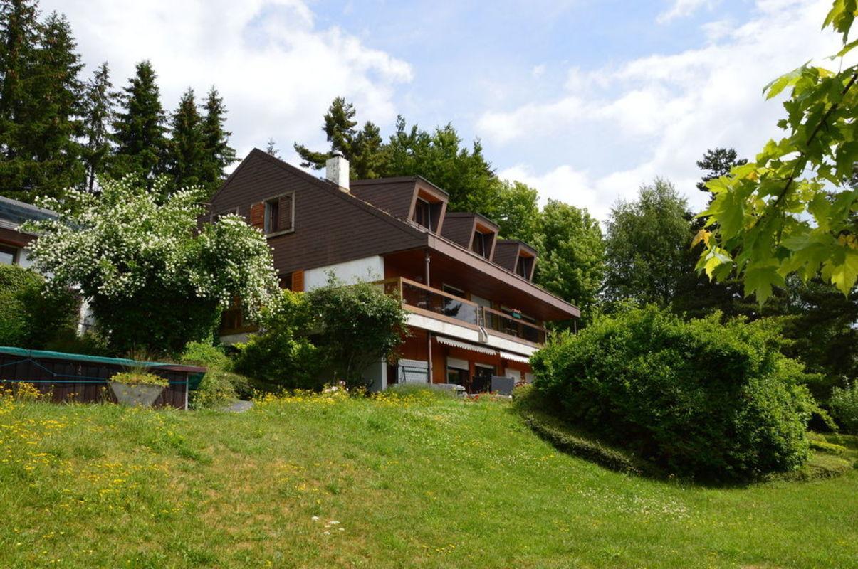 Gerofinance maison avec piscine court de tennis et vue for 1 maison parc court