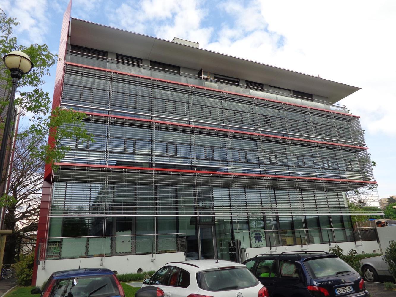 Gerofinance bureau lumineux denv. 207 m2 dans immeuble moderne