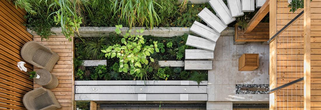 Gerofinance Un claustra en bois DIY, un bon choix de brise-vue ?